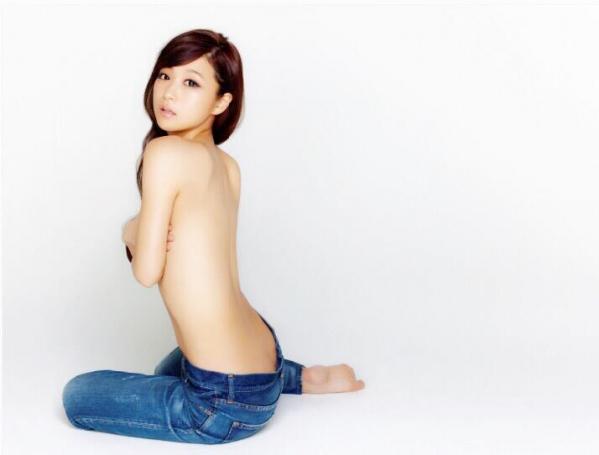鈴木奈々 セミヌードモデルの美貌!下着水着エロカワ画像60枚a44a.jpg