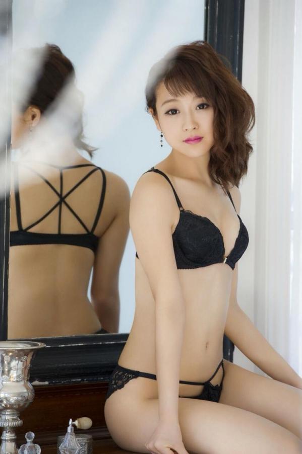 鈴木奈々 セミヌードモデルの美貌!下着水着エロカワ画像60枚a48a.jpg