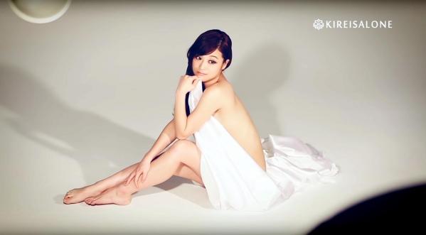 鈴木奈々 セミヌードモデルの美貌!下着水着エロカワ画像60枚a56a.jpg