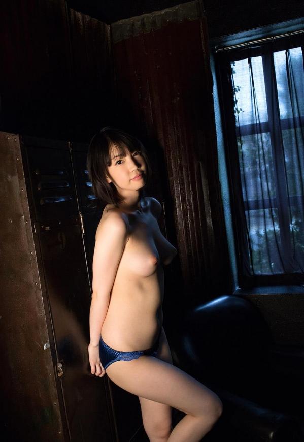 AV女優 鈴木心春 パイパン エロ画像117.jpg