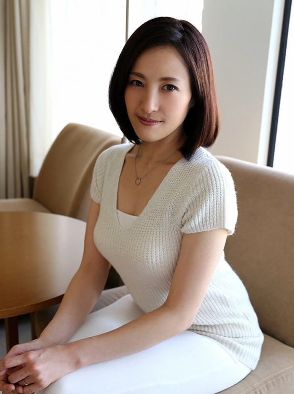 tanihara_nozomi20160510a00102.jpg