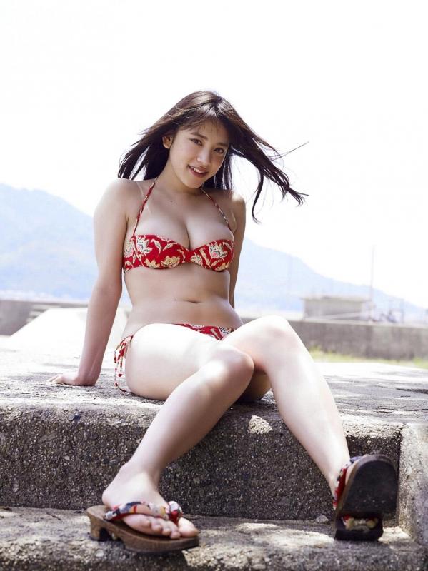 都丸紗也華 水着画像120枚と動画 ビキニから溢れるエロ爆乳a079.jpg