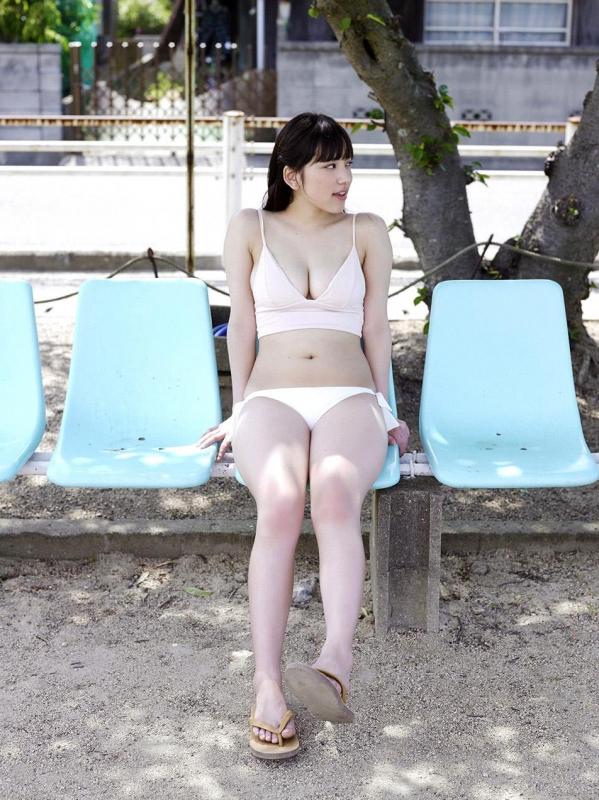 都丸紗也華 水着画像120枚と動画 ビキニから溢れるエロ爆乳a093.jpg