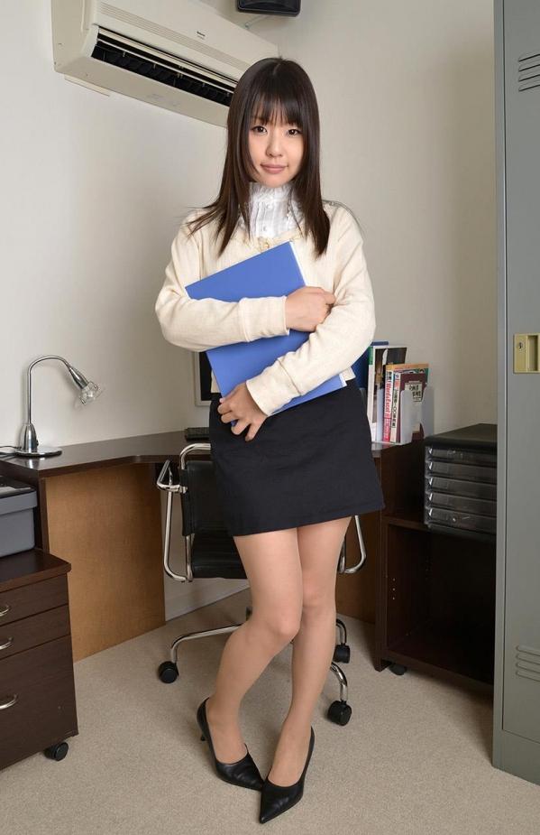 つぼみ着エロ画像60枚 パンスト脱いで誘惑する女教師002.jpg