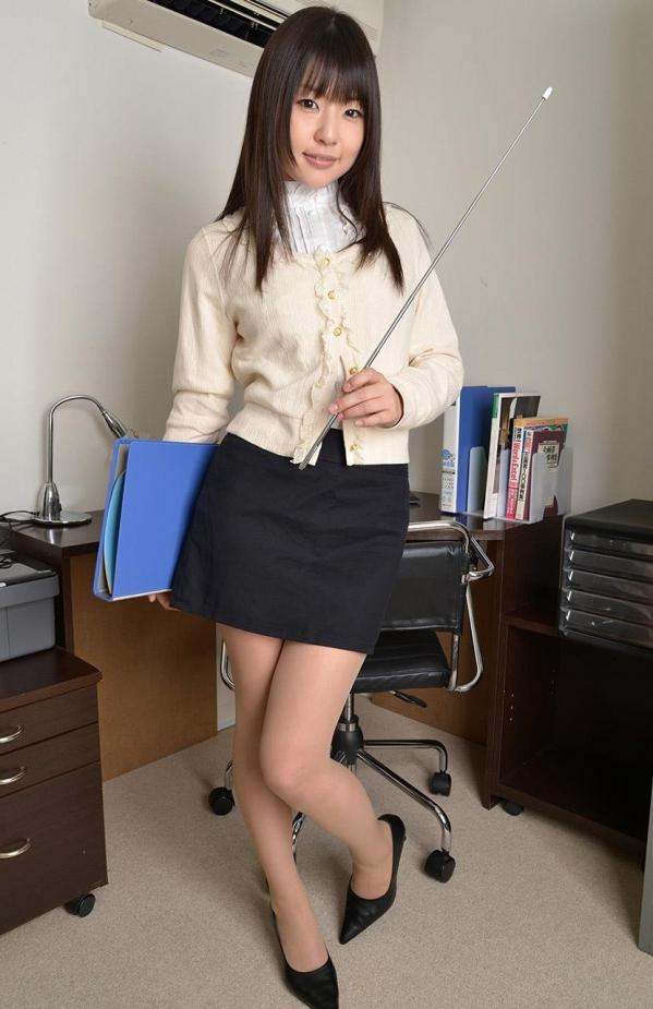 つぼみ着エロ画像60枚 パンスト脱いで誘惑する女教師005.jpg
