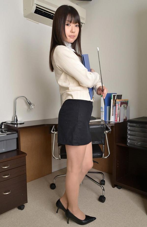 つぼみ着エロ画像60枚 パンスト脱いで誘惑する女教師011.jpg