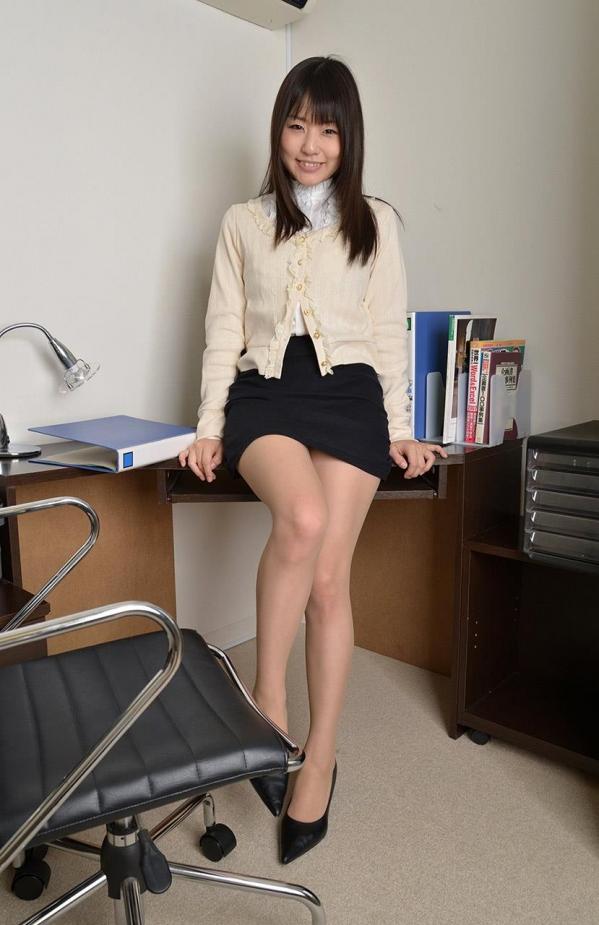 つぼみ着エロ画像60枚 パンスト脱いで誘惑する女教師016.jpg