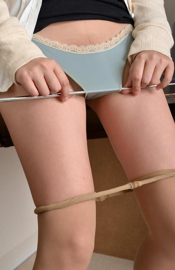 つぼみ着エロ画像60枚 パンスト脱いで誘惑する女教師056.jpg