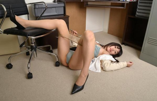 つぼみ着エロ画像60枚 パンスト脱いで誘惑する女教師059.jpg