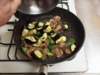 鶏レバーと茄子のマヨ味噌炒34