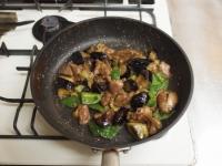 鶏レバーと茄子のマヨ味噌炒38