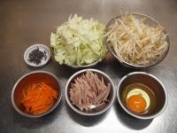 キャベツと魚肉ソーセージのガ28