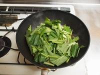 鶏レバーと小松菜の焼き肉炒30