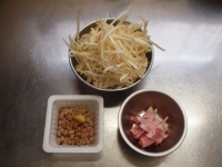 もやし納豆小松菜味噌汁25