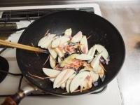 茄子ともやしのガリマヨ炒め35