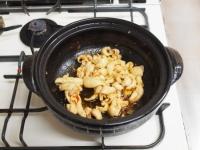 鶏レバーと鶏皮のすき焼き鍋72