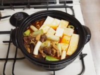 鶏レバーと鶏皮のすき焼き鍋84