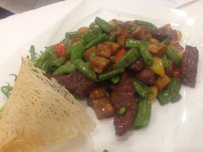 広州酒家 肉と野菜の炒め物