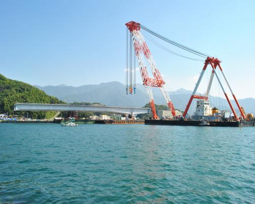 橋桁(大浦岸壁)