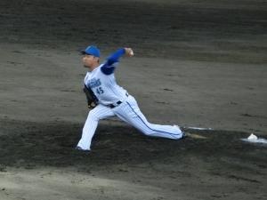 土屋健二投手。