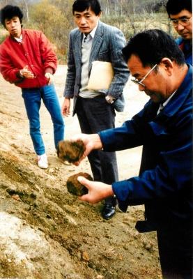 幌延に初訪問の高木仁三郎さん(84年10月)