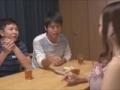 弟の友人をテーブルの下で足コキする小悪魔な姉