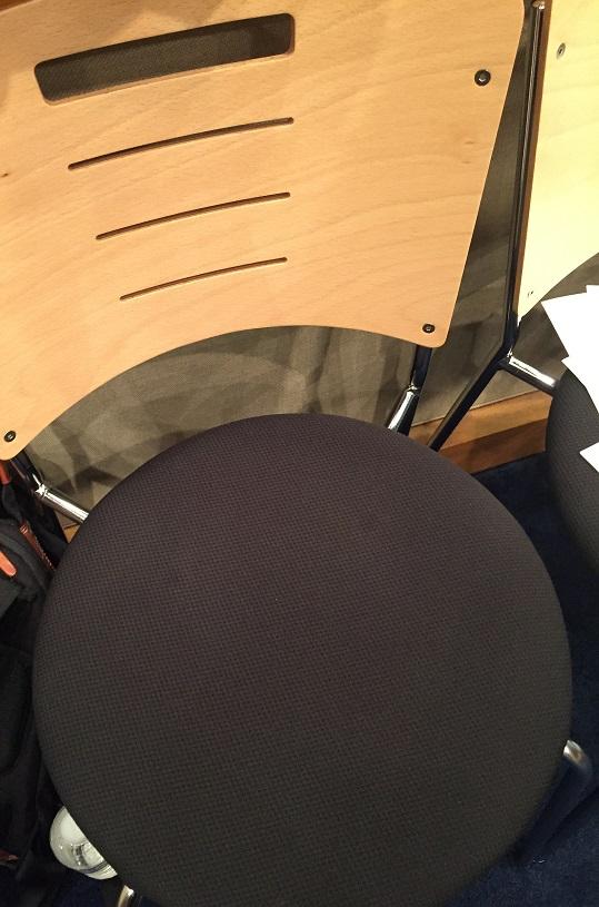 田丸篤志さん椅子