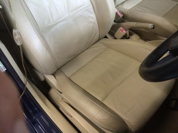 レザーシート 破れ補修 VW ポロ