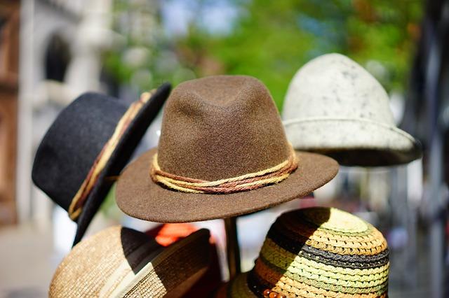 hats-829509_640.jpg