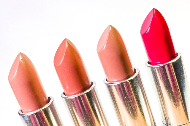 lipstick-1137536_640.jpg