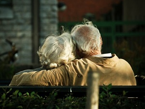 old-couple-love.jpg