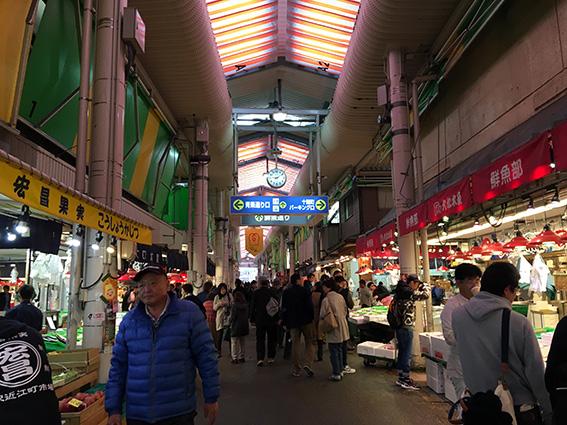 朝の近江町市場