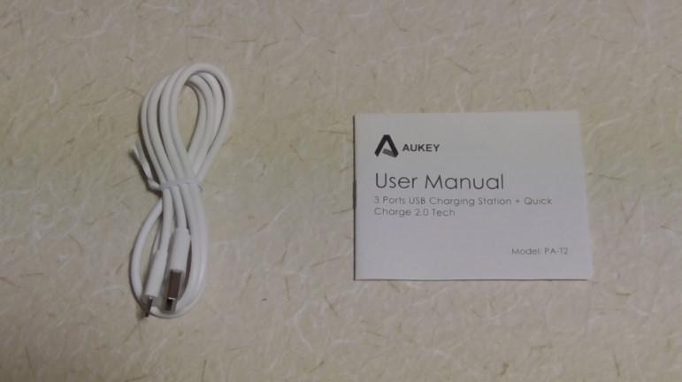Aukeyの3ポート内蔵急速充電器-760