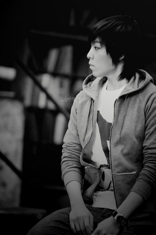 Seung_Hyun_i2xsa8.jpg