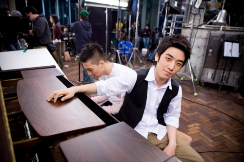 Seung_Ri_4gr.jpg