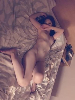 コートドールいおり全裸