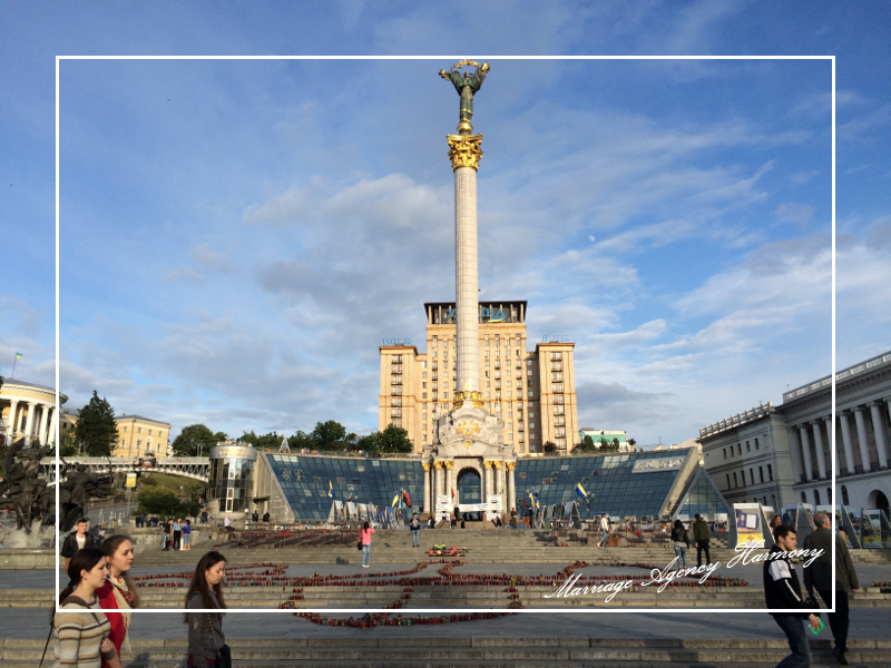 201505_Kiev_attendant_21.jpg