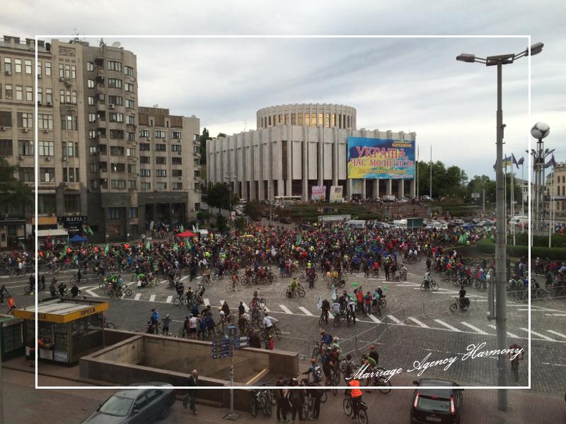 201505_Kiev_attendant_24.jpg