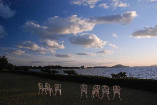 夕なずむ琵琶湖