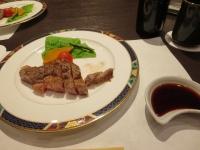 食べかけのAランクの牛ステーキ