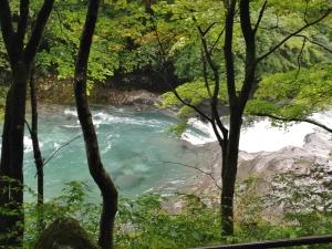 カンマンの川底