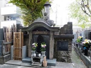 新吉原総霊塔