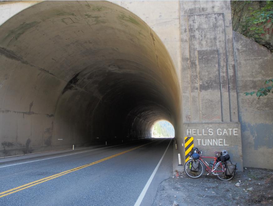 20150906自転車トンネル4