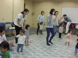 2015-09-07 いつひよ ベビーとママのヨガ&リズム体操 006 (270x203)