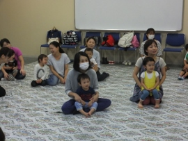 2015-09-07 いつひよ ベビーとママのヨガ&リズム体操 012 (270x203)