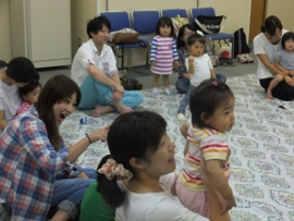2015-09-07 いつひよ ベビーとママのヨガ&リズム体操 013 (270x203)