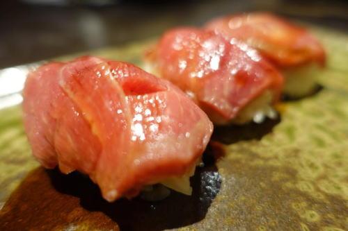 馬刺し寿司