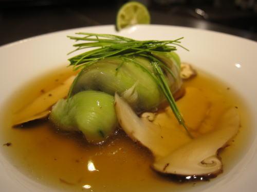 翡翠茄子と黒ムツの蒸し物松茸餡