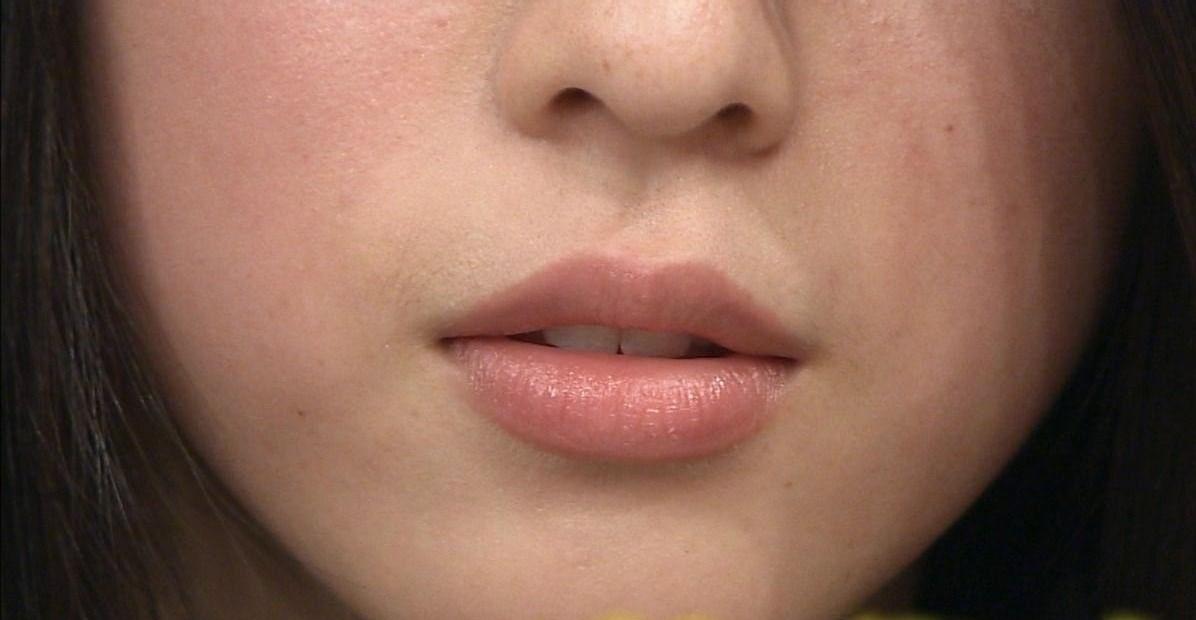 三吉彩花の唇1
