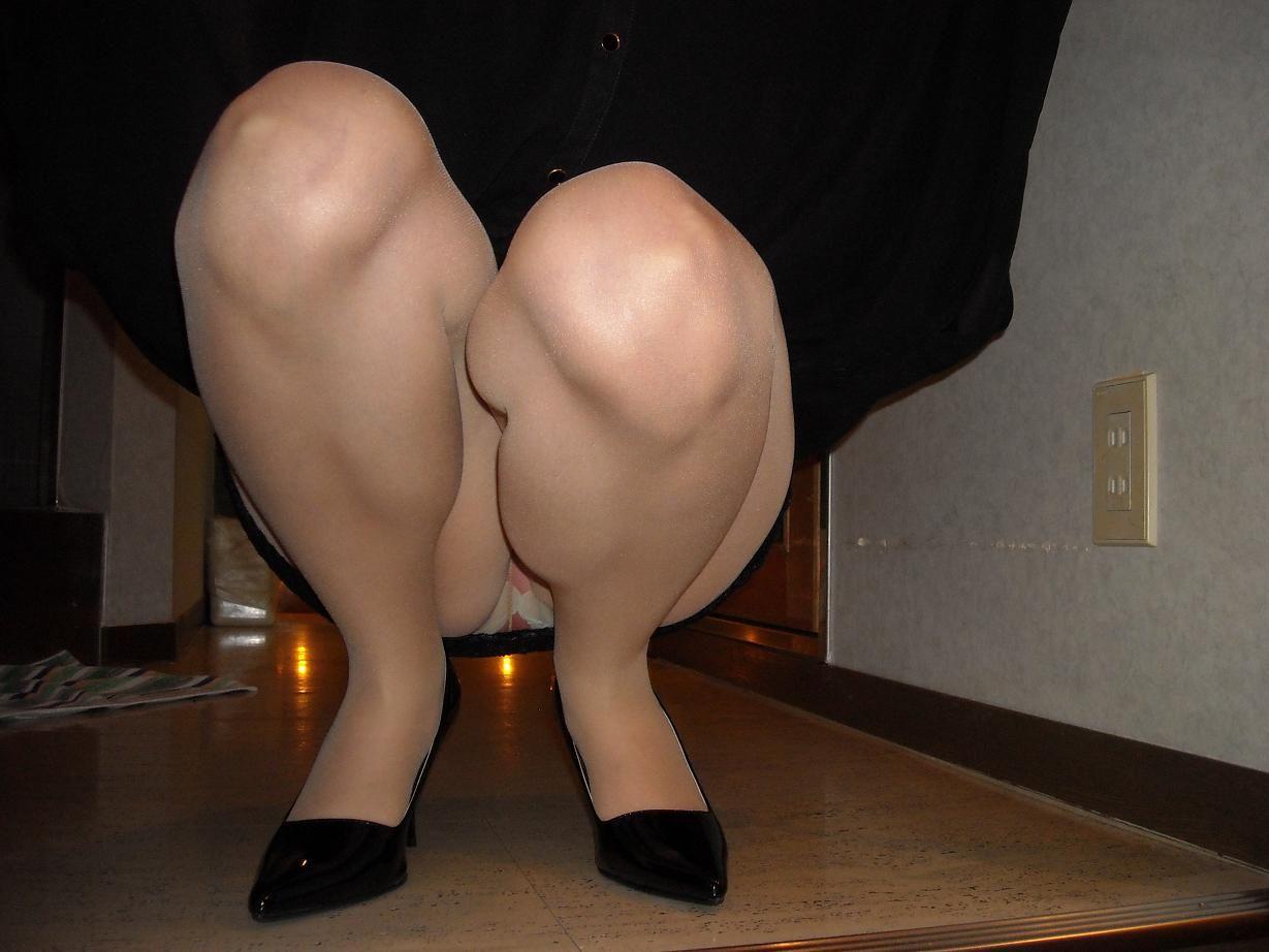 パンスト履く3